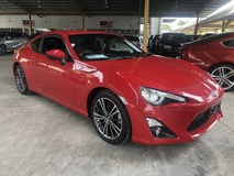 2014 TOYOTA 86 GT 86 2.0 Boxer D-4S 200hp 6 Speed LSD VSC Sport Smart Entry Push Start Button HVAC Bucket Seat Paddle Shift Steering HID Light System Zone Climate Control Twin Exhaust Reverse Camera Unreg