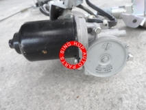 Mazda 8 2006 power door motor