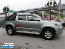 2013 TOYOTA HILUX DOUBLE CAB 2.5G (AT)