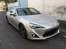 2013 TOYOTA FT-86 2.0 / Greddy Exhaust System / Adj Suspension / Blk & Red Seat