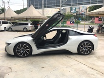 2016 BMW I8 1.5 e-Drive L3 Turbocharged + Hybrid Synchronous Motor 4 Surround Camera Head Up Display Adaptive Intelligent LED Multi Function Paddle Shift Steering Drive Selection Pre Collision Safety Unreg