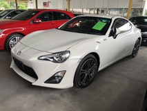 2015 TOYOTA 86 GT 86 2.0 Boxer D-4S 200hp 6 Speed LSD VSC Sport Push Start Button HVAC Half Leather Seat Paddle Shift Steering Digital Climate Control HID Xenon Light Reverse Camera 1 Year Warranty Unreg