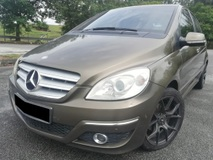 2013 MERCEDES-BENZ B-CLASS B180 1.7 (A) LUXURY LEATHER 100% ACCIDENT FREE TIPTOP CONDITION