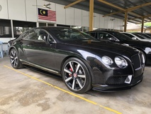 2014 BENTLEY CONTINENTAL GT Coupe V8 S 4.0 Twin Turbocharge 528hp Mulliner Package Smart Entry Push Start Button Bi Xenon LED Light Memory Air Cond Seat Multi Function Paddle Shift Steering Lift Suspension Breitling Analogue Reverse Camera Automatic Power Boot Unreg
