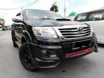 2015 TOYOTA HILUX DOUBLE CAB 2.5 (AT) TRD