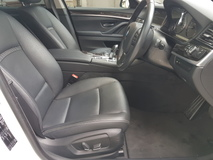 2013 BMW 5 SERIES 2013 BMW 520i Luxury Package Japan Spec Unregister for sale