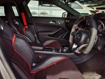 2016 MERCEDES-BENZ A-CLASS . Merz A45 AMG with sports ekzos