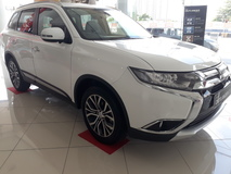 2018 MITSUBISHI OUTLANDER 2.0L DISCOUNT RM8000 FREE IPHONE8