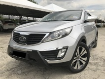 2012 KIA SPORTAGE  2.0 SUV FULON LIKE NEW 1 OWNER OTR