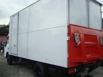 2010 HICOM 150 DXL 17FEET BOX TAILLIFT