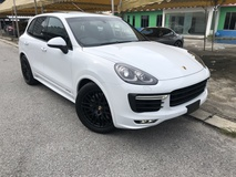 2015 PORSCHE CAYENNE Cayenne GTS 3.6 Twin Turbo Sunroof Power Boot Sport Chrono Sport Plus PASM Memory Seat