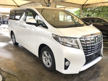 2016 TOYOTA ALPHARD 2.5 Dual VVT-i 7 SCVT-i 4 Surround Camera Automatic Power Boot 2 Power Door Intelligent Bi LED Smart Entry Push Start 3 Zone Climate Control  9 Air Bag Unreg