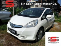 2013 HONDA JAZZ 1.3 Hybrid FULL Spec(AUTO)2013 Only 1 Careful LADY Owner, 79K Mileage, TIPTOP, ACCIDENT-Free, DIRECT-Owner, NEGOTIABLE with 2 AIRBEGs