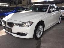 2014 BMW 3 SERIES 320i FACELIFT Service Rec 70k km, BMW Service & Got Warranty