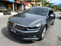 2017 VOLKSWAGEN PASSAT 1.8 280 TSI Comfortline Plus (AUTO)2017 Only 1 UNCLE Owner, 31K Mileage, TIPTOP, ACCIDENT-Free, with 4 YEARS WARRANTY, DVD, GPS