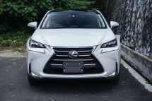 2015 LEXUS NX 200T / HEAD UP DISPLAY / PANORAMIC SUNROOF / PRE CRASH / 2 CAMERA