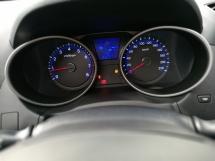 2013 HYUNDAI TUCSON 2.0 AUTO SUNRRO MOONROOF ORIGINAL CONDITION FULL LOAN !!!!!!!