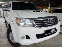 2014 TOYOTA HILUX DOUBLE CAB 3.0G (AT) 4X4 KING TURBO 100%