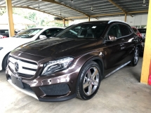 2014 MERCEDES-BENZ GLA GLA200 GLA180 AMG Turbocharged 7GDCT Distronic Plus Automatic Power Boot Memory Seat Lane Departure Assist Multi Function Paddle Shift Steering Zone Climate Control Intelligent Bi Xenon Light Bluetooth Connectivity Unreg