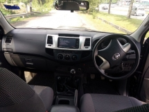 2015 TOYOTA HILUX DOUBLE CAB 2.5G (MT)1/OWNER*O/PAINT*ACC FREE*