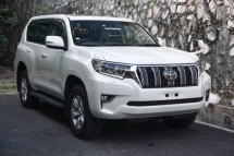 2017 TOYOTA PRADO 2.8 DIESEL / NEW FACELIFT / SUNROOF / LANE DEPT ALERT / DYNAMIC CRUISE