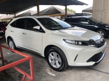 2017 TOYOTA HARRIER 2.0 New Facelift Panoramic Roof 4 Surround Camera Automatic Power Boot Lane Departure Assist Pre Collision Auto Power Seat Intelligent LED Smart Entry Push Start Button Multi Function Steering 9 Air Bag Unreg