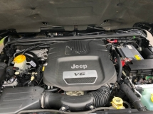 2014 JEEP WRANGLER 3.6 Petrol Unlimited Sahara 1 and only unit in Malaysia