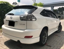 2005 TOYOTA HARRIER 3.0 (A) PREMIUM L 4WD AIRS P/ROOF LEATHER SEAT POWER BOOT BODYKIT GOOD CONDITION PROMOTION PRICE.
