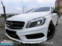 2015 MERCEDES-BENZ A-CLASS A200 TURBO AMG SPEC / 1 OWNER / FULL SERVICE / LOW MILEAGE / TIP TOP CONDITION