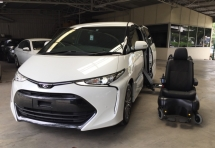 2017 TOYOTA ESTIMA 2.4 AERAS PREMIUM WITH AUTO WHEELCHAIR - SPECIAL SEAT - LIMITED