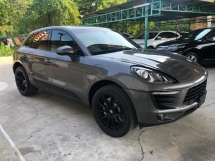 2014 PORSCHE MACAN 3.0 S V6 Twin-Turbocharged 340hp Porsche Doppelkupplung Carbon Interior 2 Memory Bucket Seats Bi Xenon Light Paddle Shift 6 Piston Aluminum Monobloc Sport Mode Automatic Power Boot Unreg