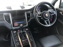 2014 PORSCHE MACAN 3.0 S V6 Twin-Turbocharged 340hp Porsche Doppelkupplung Carbon Interior 2 Memory Bucket Seats Bi Xenon Light Paddle Shift 6 Piston Aluminum Monobloc Sport Mode Automatic Power Boot Unreg