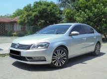 2013 VOLKSWAGEN PASSAT 1.8 TSi 7Speed DSG TipTOP SUPERB LikeNEW