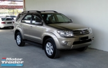 2010 TOYOTA FORTUNER 2.7V Auto Facelift 4WD Full Leather Model