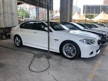 2014 BMW 5 SERIES 528i 520i M Sport 2.0 Turbocharged 245hp New Facelift Digital Meter Intelligent Adaptive Bi-LED Lights Sun Roof Pre-Collision Lane Departure Assist Paddle Shift Steering Memory Seat Reverse Camera Bluetooth Unreg