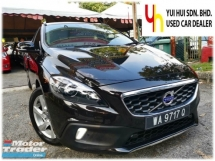 2014 VOLVO V40 2014 Volvo V40 Cross Country 2.0 T5 Hatchback (A) 1 OWNER FULL SERVICE RECORD