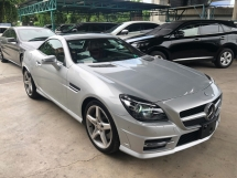 2014 MERCEDES-BENZ SLK SLK200 AMG Sport Japan Spec Fully Loaded Magic Roof Chronograph Keyless Push Start Button Memory Bucket Seat Pre Collision Distronic PLUS Daylight Bi Xenon Light Paddle Shift Steering Bluetooth Connectivity Unreg