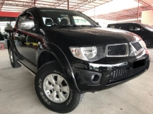 2013 MITSUBISHI TRITON 2.5 AT 4X4 TIP TOP CONDITION