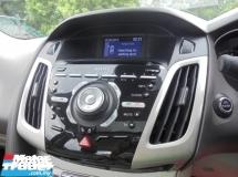 2012 FORD FOCUS  2.0 Titanium Plus Sunroof Keyless PushStart AutoPARK TipTOP LikeNEW