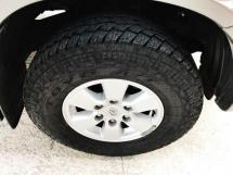 2011 TOYOTA HILUX DOUBLE CAB 2.5G (MT)