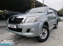 2013 TOYOTA HILUX 2.5 (A) VNT G SPEC DOUBLE CAB 4X4 GOOD CONDITION RAYA PROMOTION PRICE.