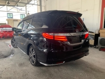 2014 HONDA ODYSSEY 2.4 ABSOLUTE 200HP ** ELECTRIC SEAT / HIGH SPEC / RARE OPTION ** LIKE NEW CAR ** EXCELLENT CONDITION