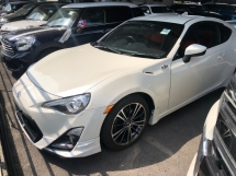 2015 TOYOTA 86 GT TRD Edition 2.0 Boxer D-4S 200hp 6 Speed LSD VSC Sport Mode Smart Entry Push Start Button Paddle Shift Steering HVAC Bucket Seat Intensity Discharged LED Zone Climate Control Twin Exhaust Reverse Camera Unreg