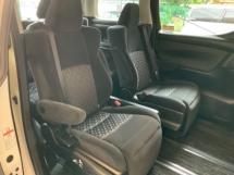 2016 TOYOTA VELLFIRE 2.5 ZA surround camera power boot 2 power doors keyless entry Alpine monitor 7 seaters unregistered