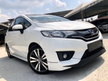 2016 HONDA JAZZ 1.5 V (A) FULL SPEC FULL SERVICE RECORD UNDER WARRANTY HONDA