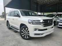 2017 TOYOTA LAND CRUISER 2017 Toyota Landcruiser 4.6ZX G Frontier Full Spec Sun Roof 4 Camera Rear Entertaiment Unregister for sale
