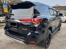 2017 TOYOTA FORTUNER TOYOTA FORTUNER 2.7 SRZ (PETROL) POWER BOOT ~FULL SERVICE RECORD UMW ~ 2018