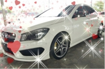 2015 MERCEDES-BENZ CLA 180AMG sunroof 3year warranty on the road RM179,888👍😊