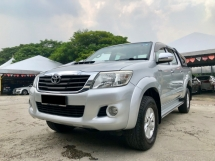 2014 TOYOTA HILUX 2014 Toyota HILUX 2.5G VNT(A) 100% NO OFF ROAD CAR