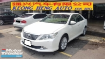 2013 TOYOTA CAMRY 2.0G SPEC (A) REG 2013, ONE OWNER, FULL SERVICE RECORD BY UMW TOYOTA, LOW MILEAGE DONE 105K KM, KEY LESS, PUSH START, 16